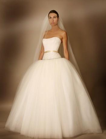 Stunning strapless wedding dress, cream ribbon detail at waist, full princess-style tulle skirt
