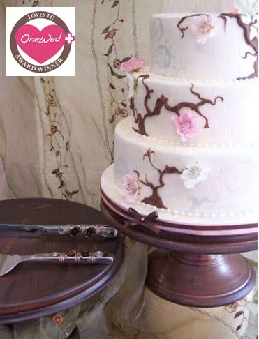 Beautiful chocolate brown cake stand to put your cake on a pedestal
