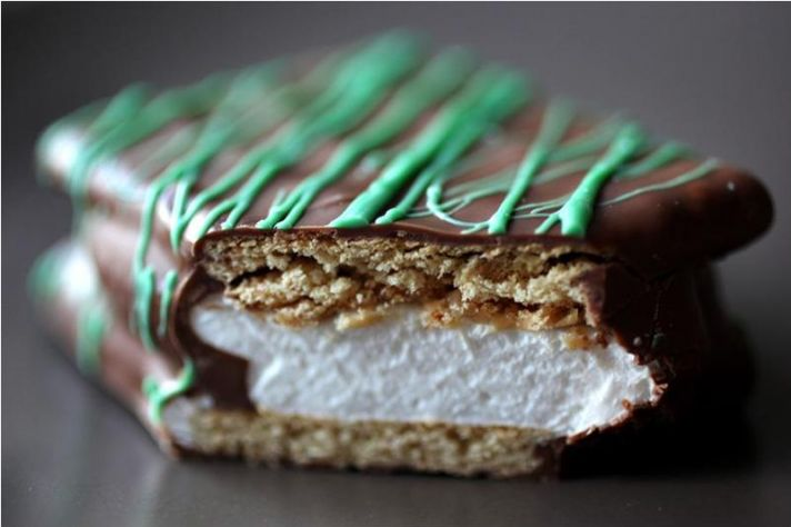 Chocolate brown, white, green s'more wedding favors- chic and delicious!