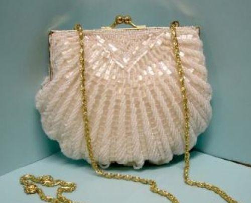 Vintage glittery beaded shell-shaped clutch