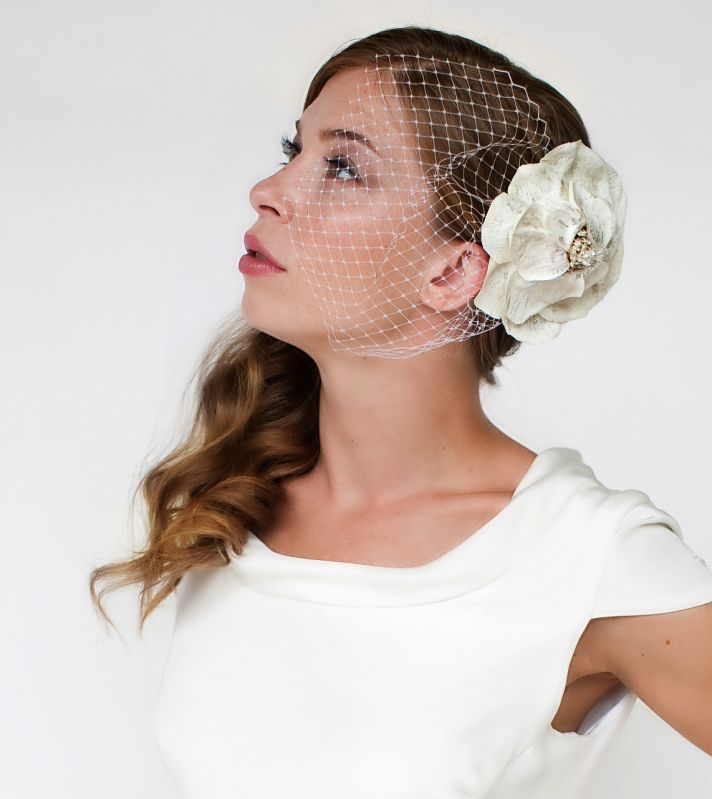 Fay flower headpiece with veiling