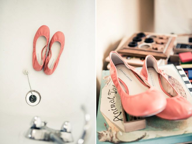 Bride 39s coral ballet flat bridal shoes Credit Jeff Wallace Photography