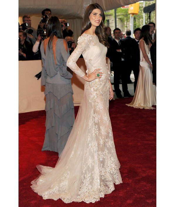 Chic modified a-line lace long sleeved wedding dress at 2011 Met gala