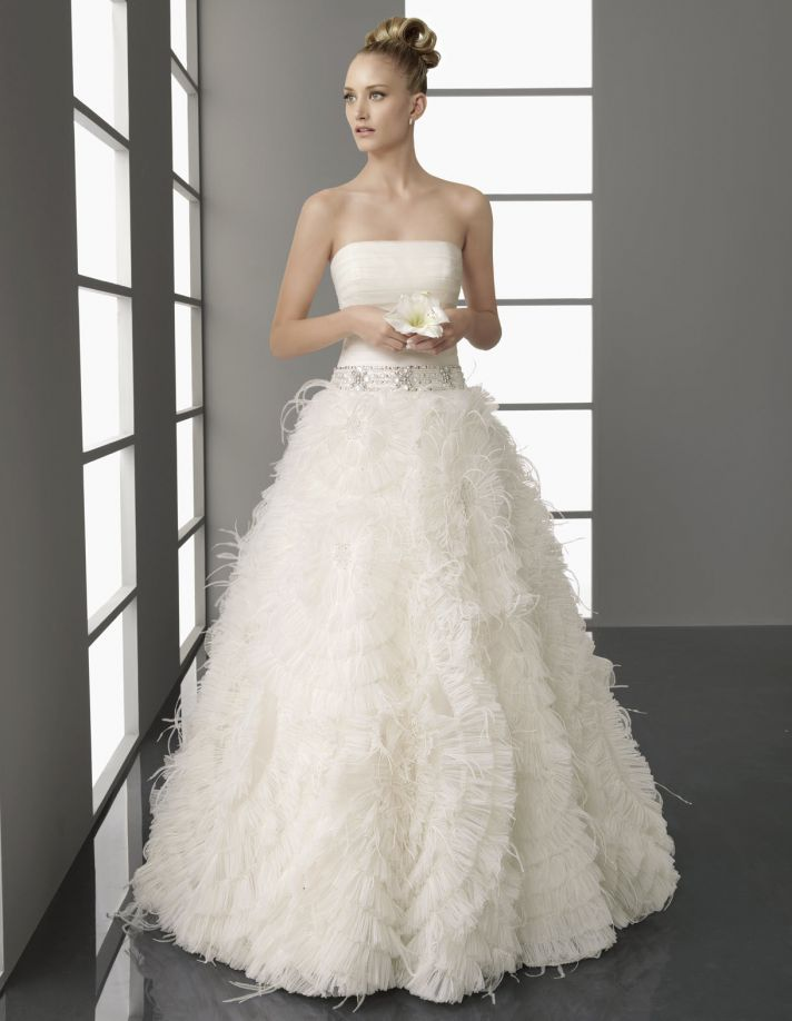 Strapless ivory Spring 2012 Aire Barcelona wedding dress with full a-line skirt with romantic appliq