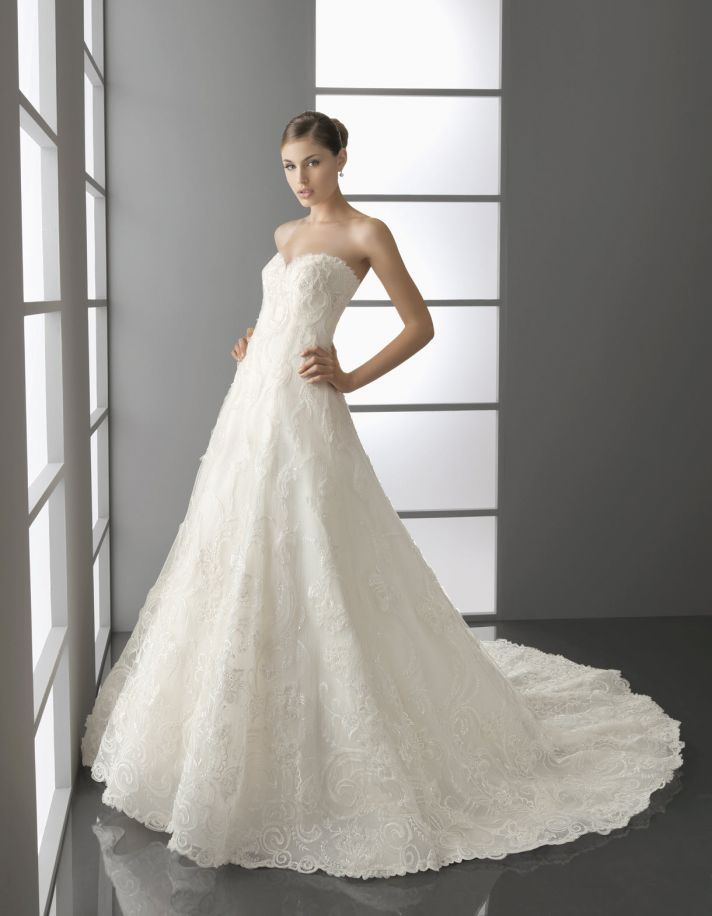 Romantic ivory a-line sweetheart wedding dress with textured applique from Spring 2012 Aire Barcelon