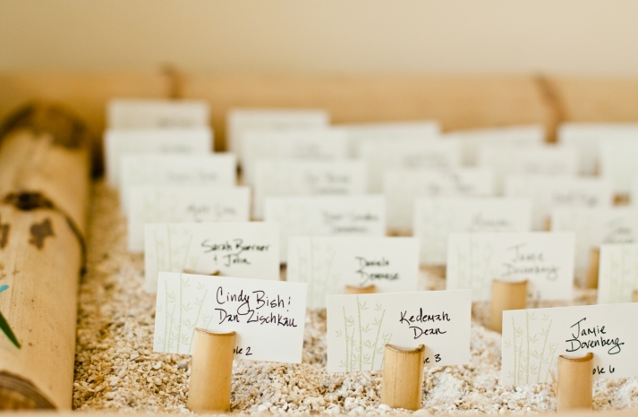 beach-wedding-reception-unique-escort-cards-idea