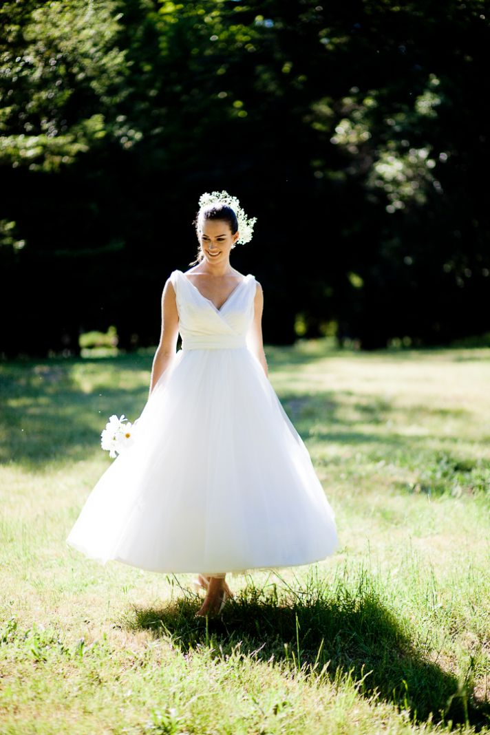 Romantic v-neck tulle wedding dress