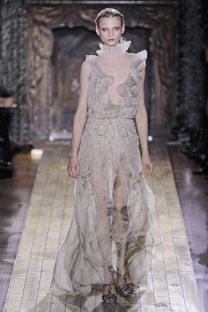 Wedding hairstyle ideas from Valentino couture runway