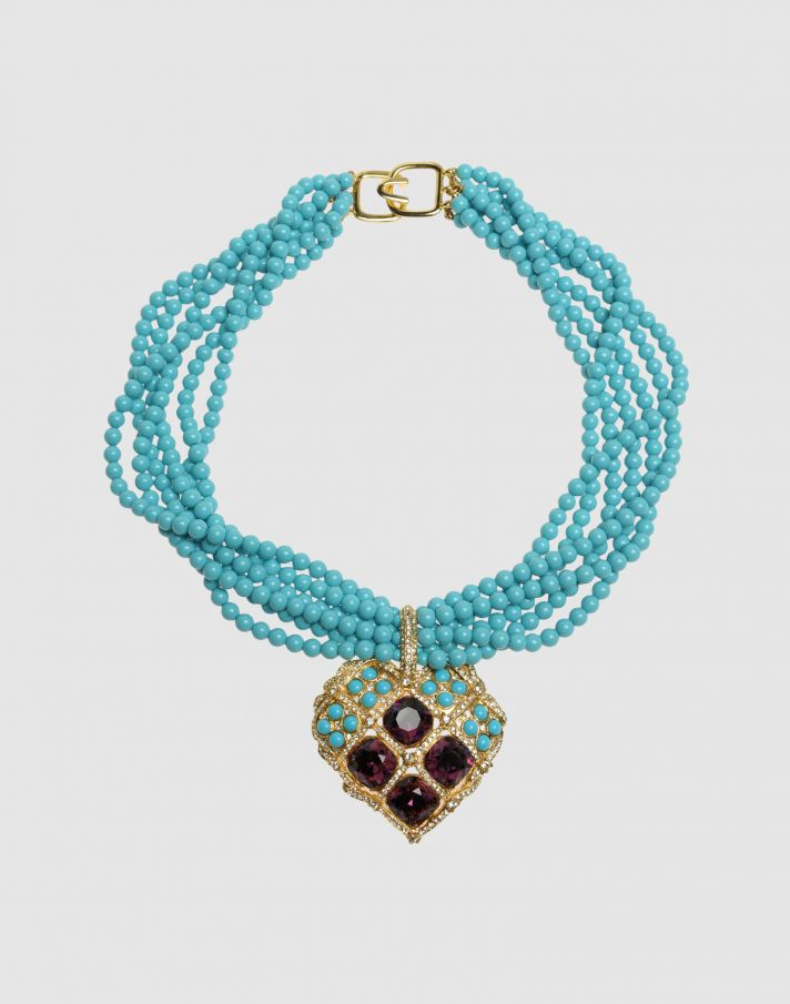 Something old and something blue, this vintage statement necklace is perfect for a beach wedding