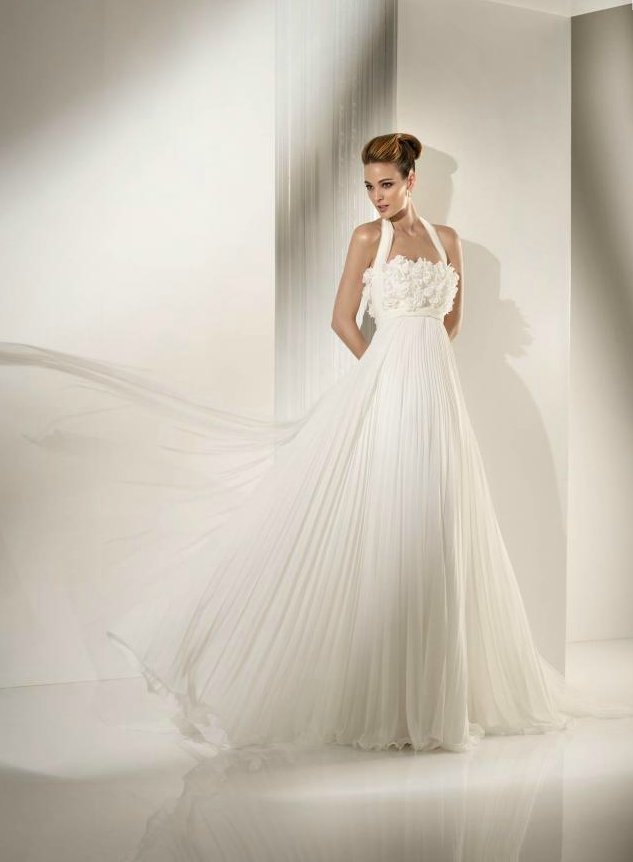 Chiffon halter wedding dress