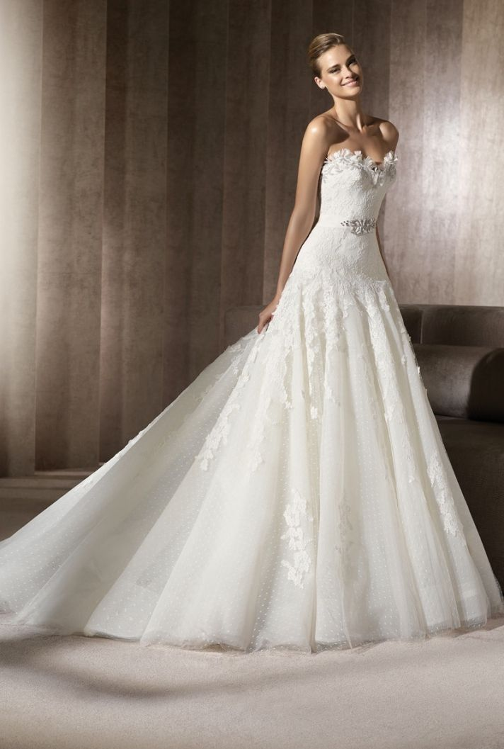 Lace a-line sweetheart wedding dress with crystal bridal belt