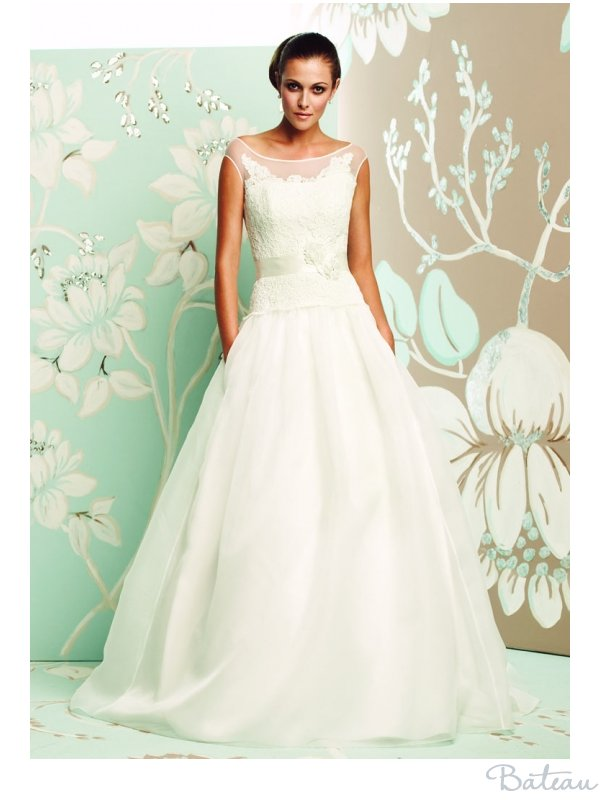 Bateau neck wedding dress by Paloma Blanca