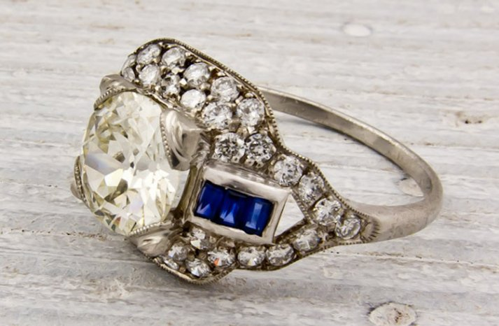 vintage-wedding-rings-engagement-ring-sapphire-diamonds