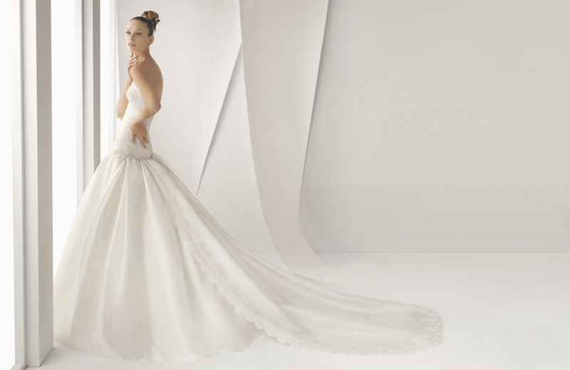 Credit Rosa Clara wedding dress