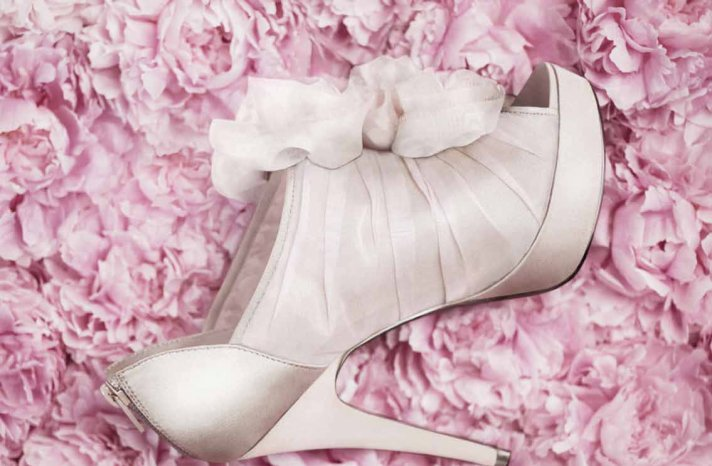 Affordable-wedding-shoes-white-by-vera-wang