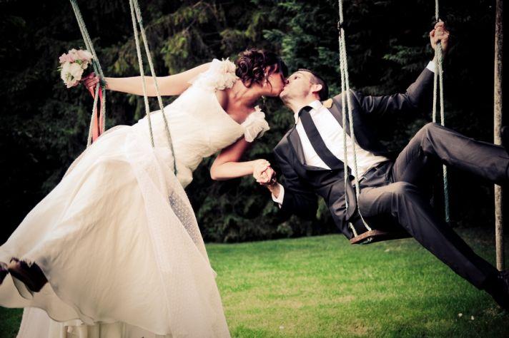 Funky wedding photo of bride and groom