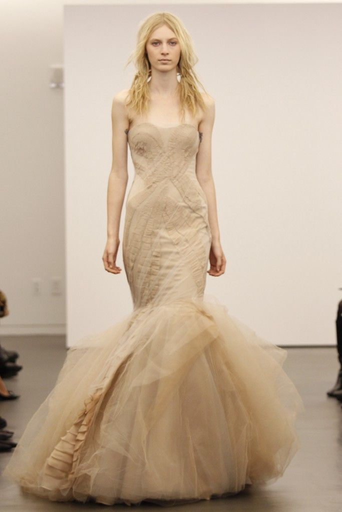 Ring in halloween with black by vera wang onewed for Where to buy vera wang wedding dresses