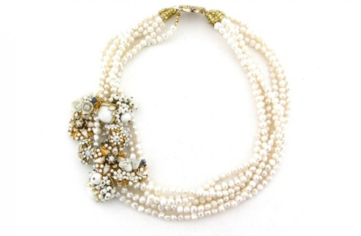 Statement-wedding-necklace-pearls