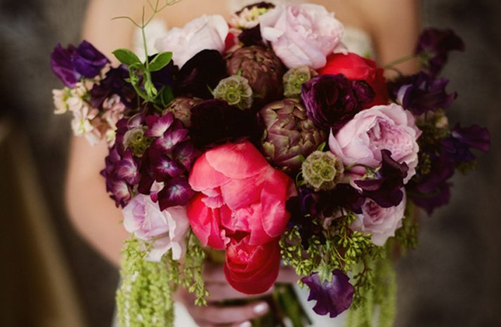 Dark-romantic-wedding-flowers-bridal-bouquet-1
