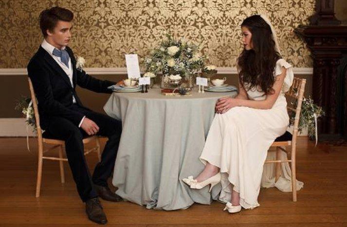 breaking dawn wedding decor ideas vintage bride groom
