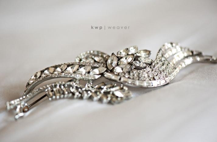 vintage wedding style wedding photography bridal hair brooch
