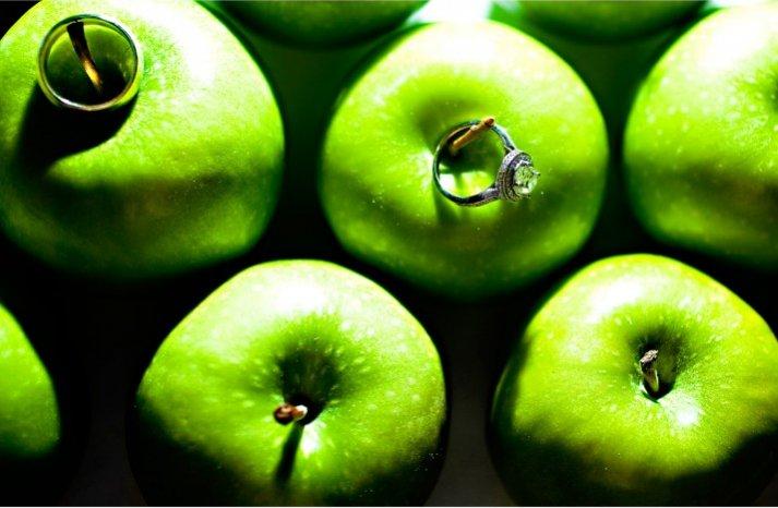 engagement ring wedding photography green apples cushion cut