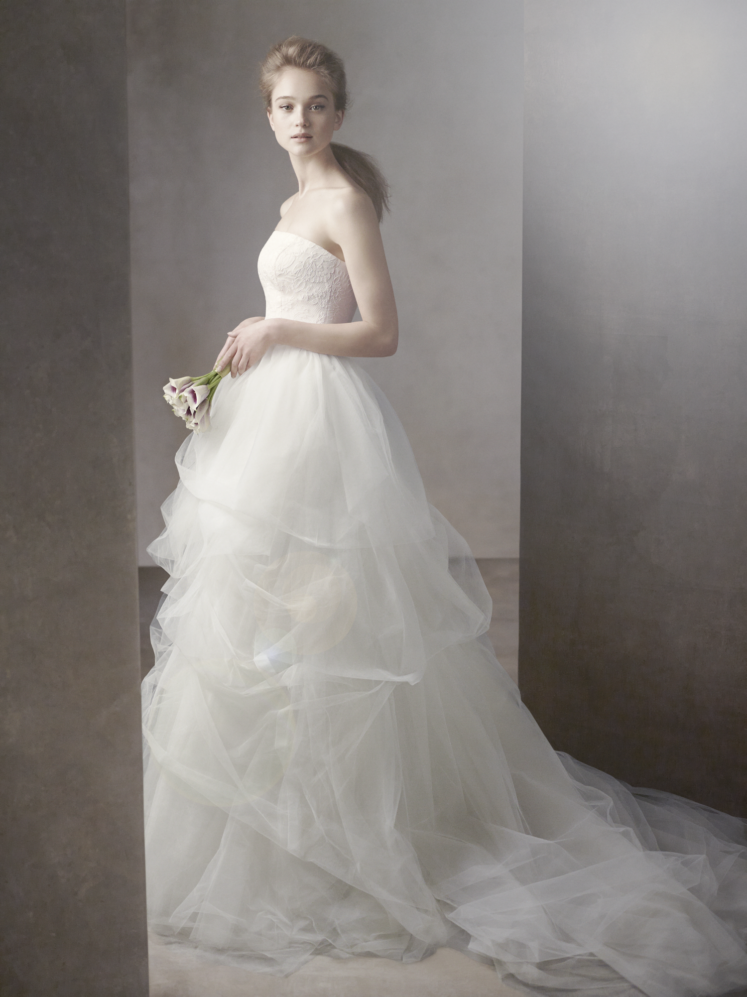 Wedding dress business i love vera wang wedding dresses for Where to buy vera wang wedding dresses