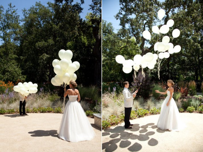 unique wedding ideas first look using balloons