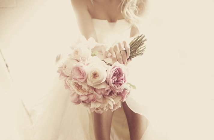 vintage inspired wedding photo light pink bridal bouquet