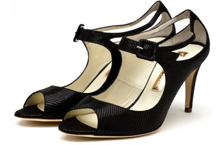 splurge worthy wedding shoes black snakeskin