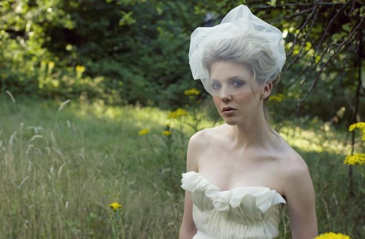 romantic ivory bridal blusher sweetheart neckline wedding dress
