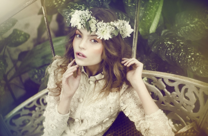 romantic bride all down wedding hair bridal beauty inspiration bohemian bride 1