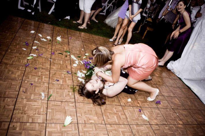 wedding throwdowns wedding reception boquet toss
