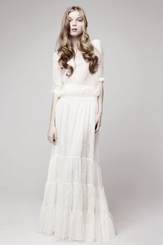 with simple yet stunning wedding dresses While some tend more towards a