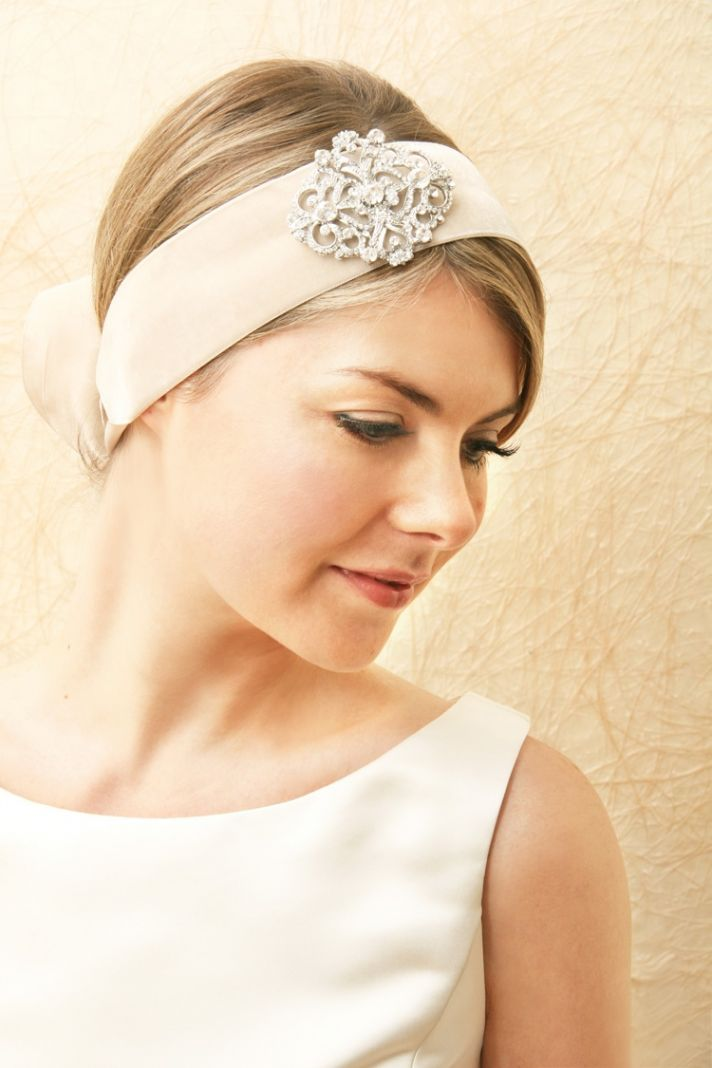 bridal veils hair accessories by Suzy Orourke retro bridal headwrap