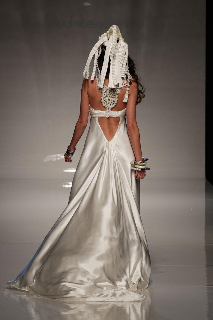 2013 bridal gowns from london wedding dress by victoria kyriakides 4 back  full Kinh tế phát triển nhờ vào dịch vụ cưới