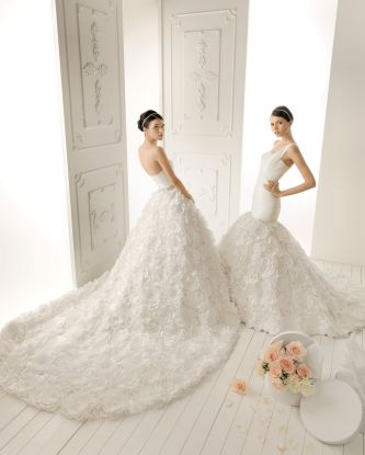 Aire barcelona wedding dress style romero onewed for Barcelona wedding dress designer