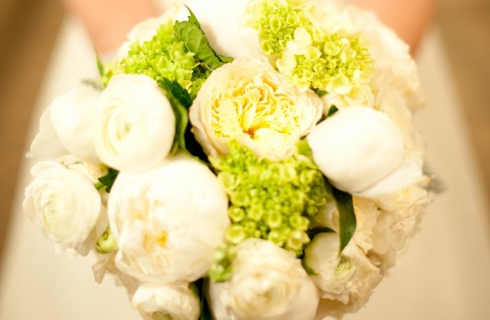 wedding photography sneak peek elegant real wedding bridal bouquet