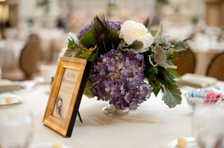 wedding photography sneak peek elegant real wedding hydgrangea centerpiece