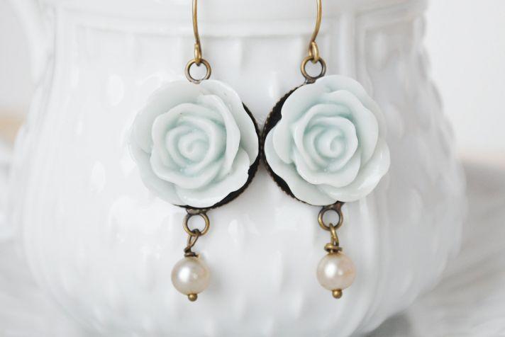 something blue wedding inspiration bridal style spotting earrings 1