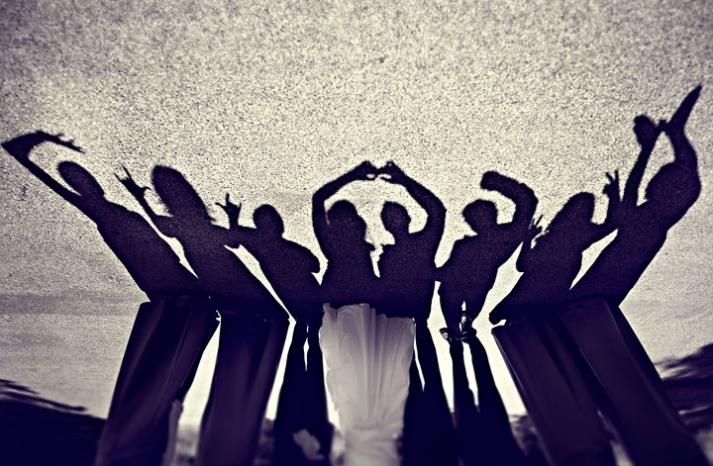 priceless wedding photos fun with shadows
