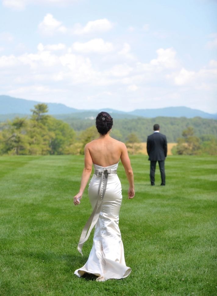 elegant real wedding North Carolina estate venue first look