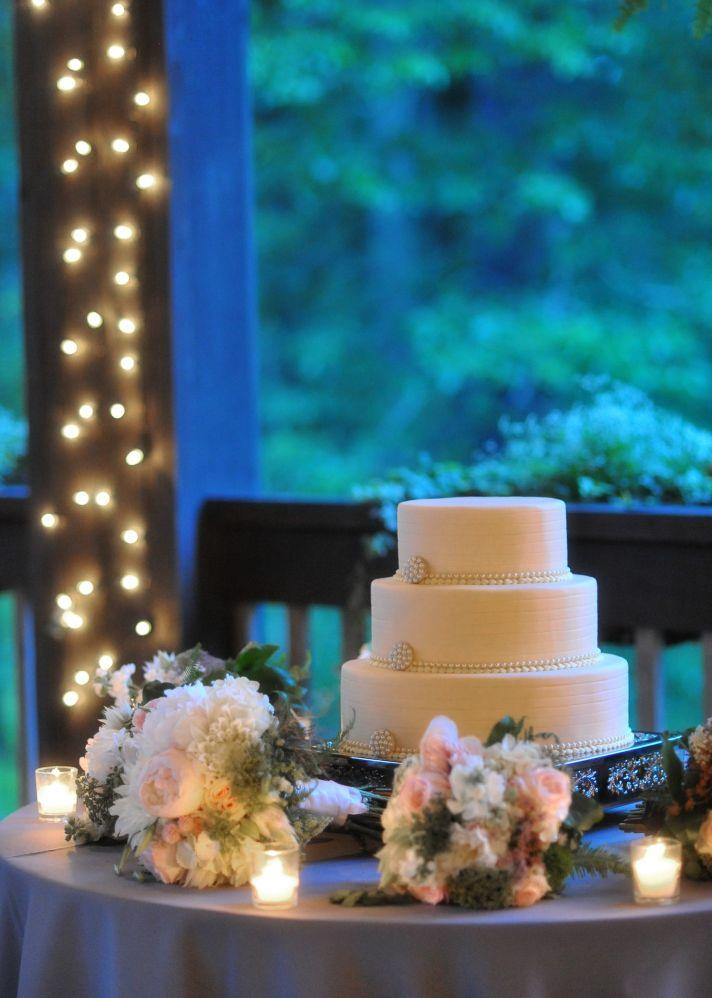 classic wedding cake North Carolina venue