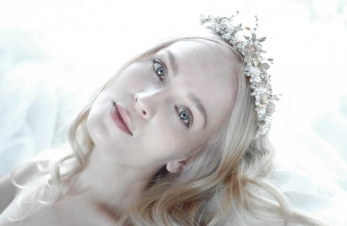 beautiful bridal hair accessories pearl crystal tiara