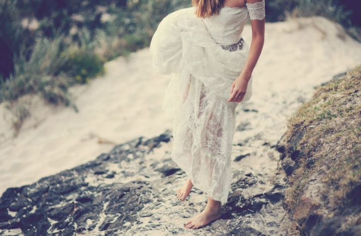 bohemian bride at a beach wedding bridal gown beauty inspiration 1