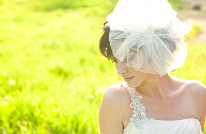 tulle wedding accessories for romantic brides from Etsy tulle birdcage veil brooch embellishment
