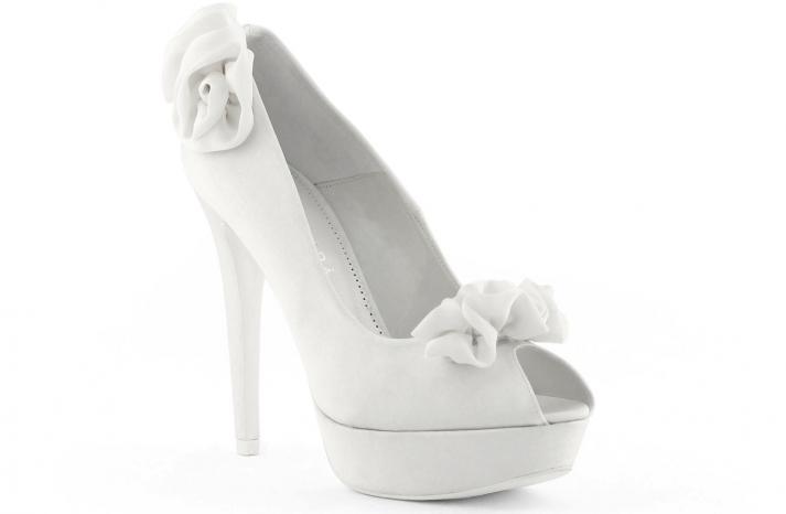 wedding shoes bridal heels by Rosa Clara 2013 rosette embellished