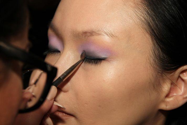 bridal beauty inspiration wedding makeup dramatic eyes lilac lids