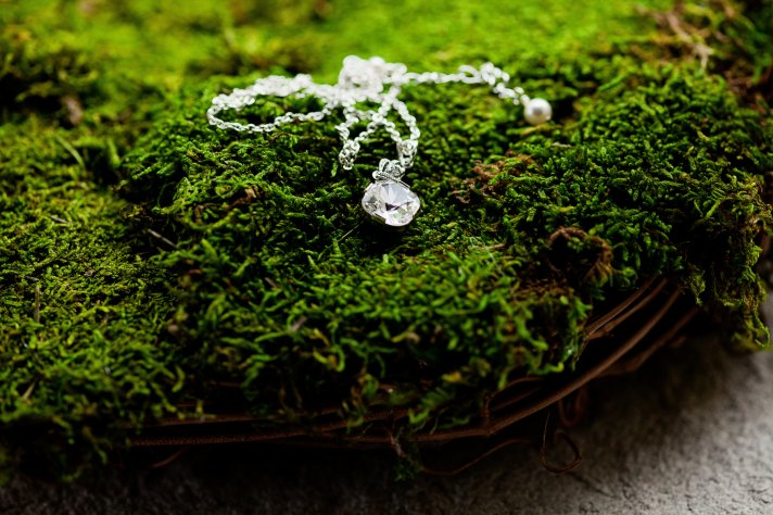 Kansas City wedding brides necklace