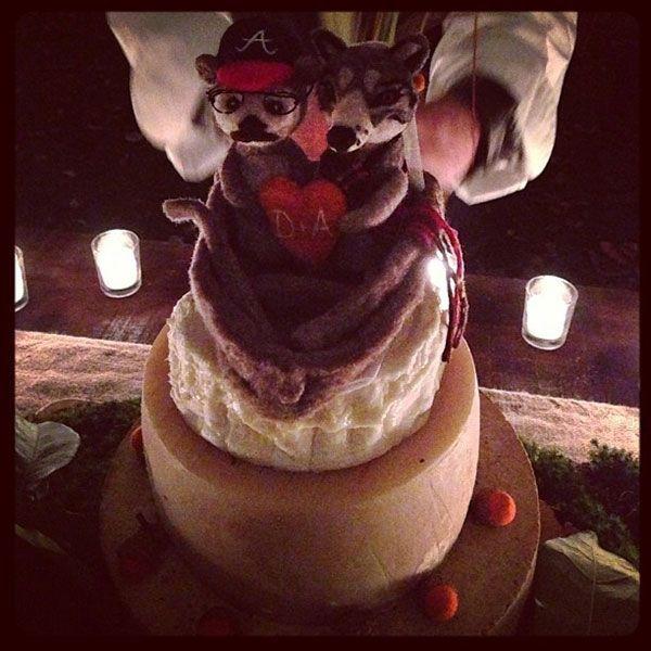real wedding amber tamblyn david cross upstate new york instagram cake 8